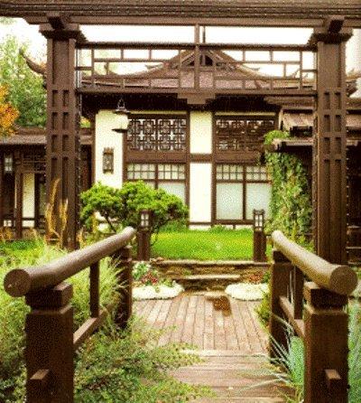 Двор перед домом 2442046